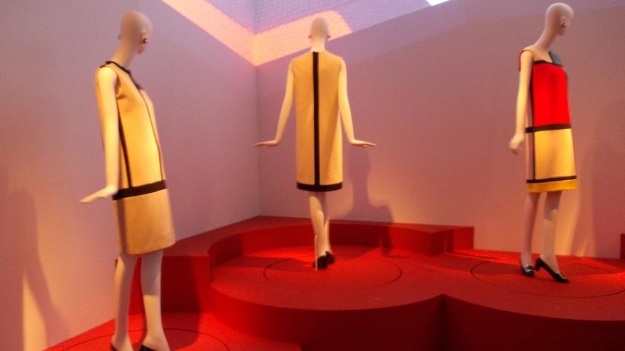 ysmf.ysl exhibition 11
