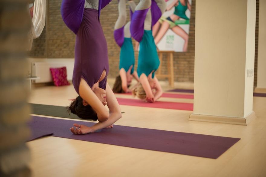 ysmf.aerial.yoga.benetton.11