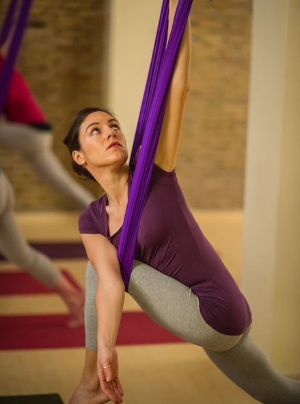 ysmf.aerial.yoga.benetton.12