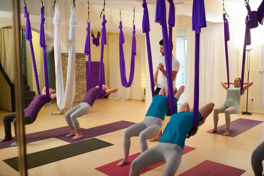 ysmf.aerial.yoga.benetton.8