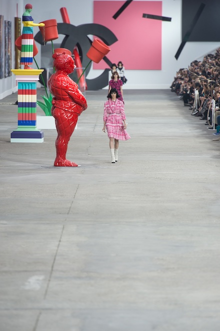 Pixelformula Chanel Womenswear Summer 2014 Ready To Wear Paris