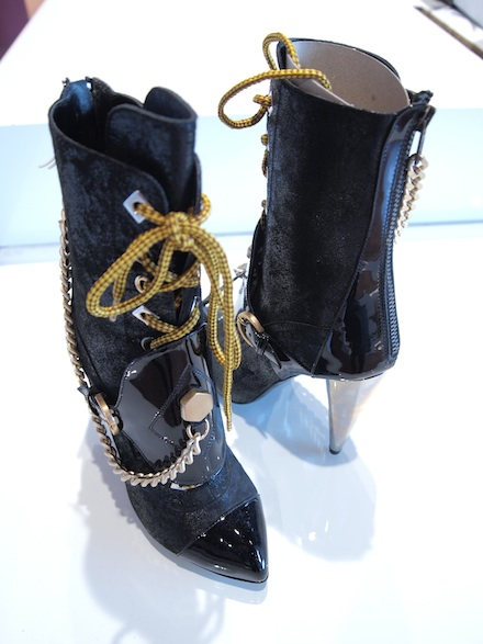 ysmf.black.galliano.booties