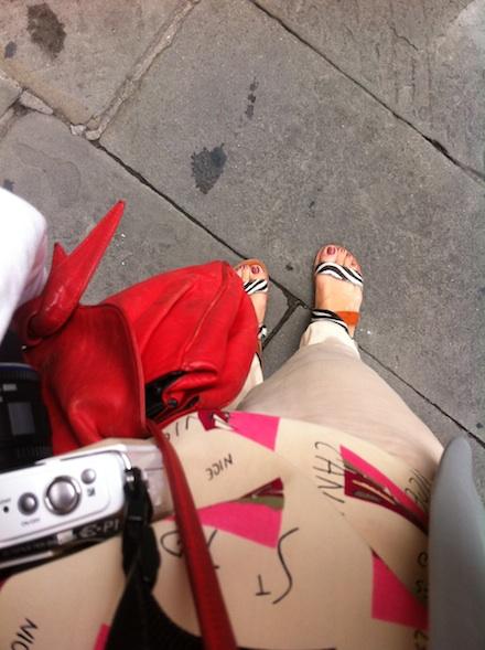 ysmf.isapera.sandals