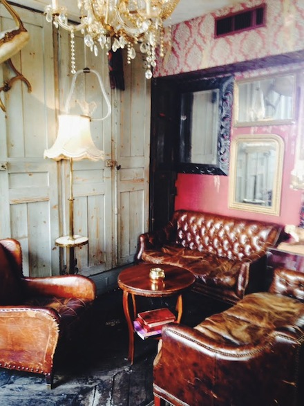 ysmf.restaurant.derriere.paris.smoking.room
