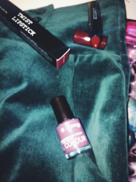 korres.twist.lipstick.seductive.delicate.violet.lacquer