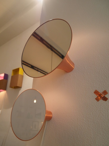 ysmf.paraphernalia.mirror.and.lamp