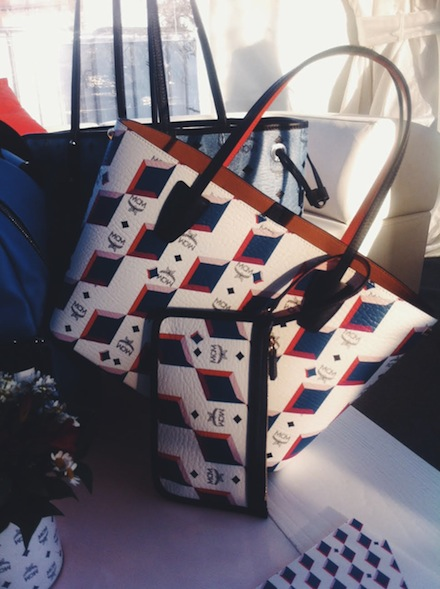 ysmf.mcm.summer.2015.white.blue.red.tote