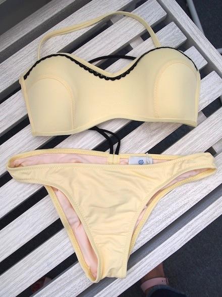 ysmf.stefania.frangista.yellow.bikini
