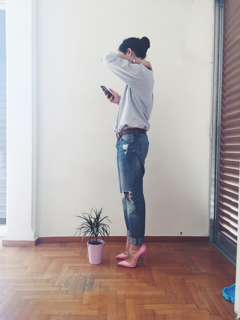 ysmf.pink.so.kate.louboutin.boyfriend.jeans