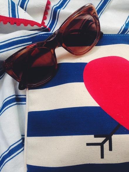 ysmf.toms.kitty.sunglasses