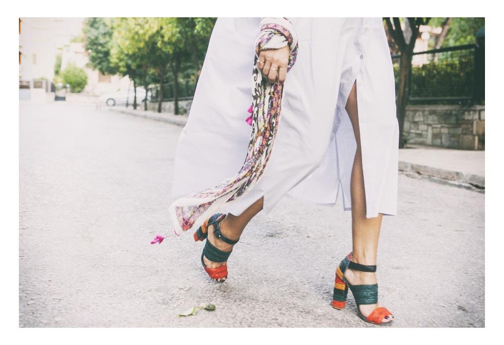 ysmf.straw.sandals