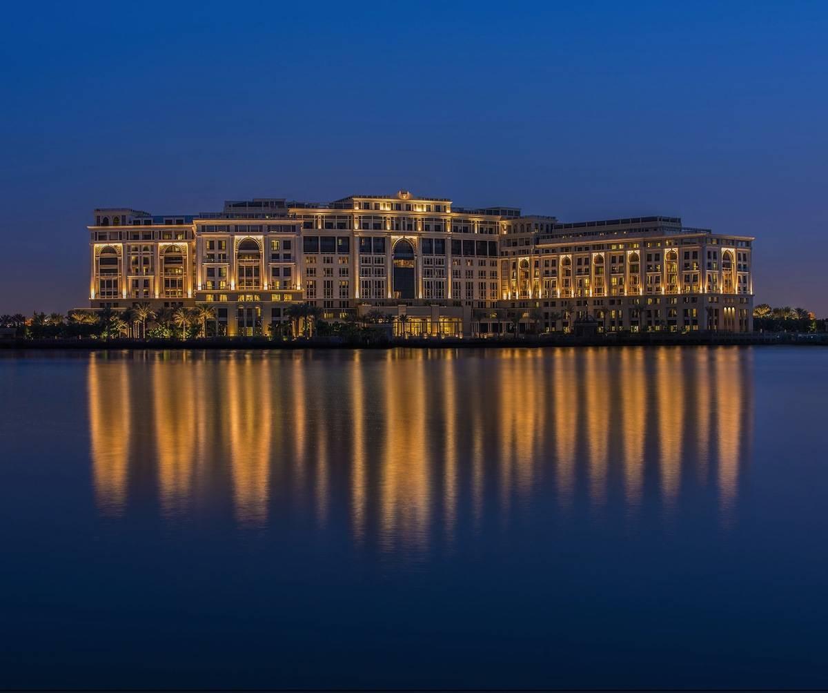 ysmf.Palazzo-Versace-Hotel_Dubai_Night-View