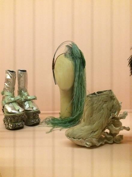 ysmf.haute.a.porter.accessories.3