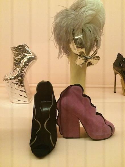 ysmf.haute.a.porter.accessories.4
