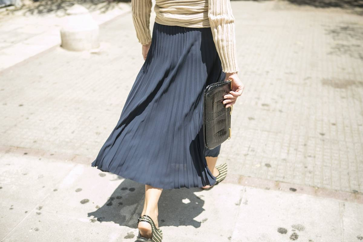 ysmf.other.stories.blue.pleated.skirt