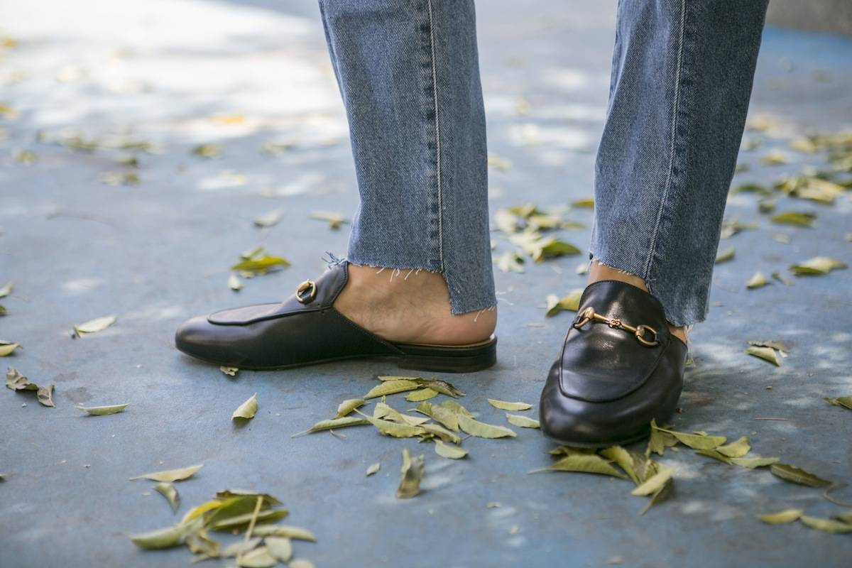 ysmf.gucci.black.slippers