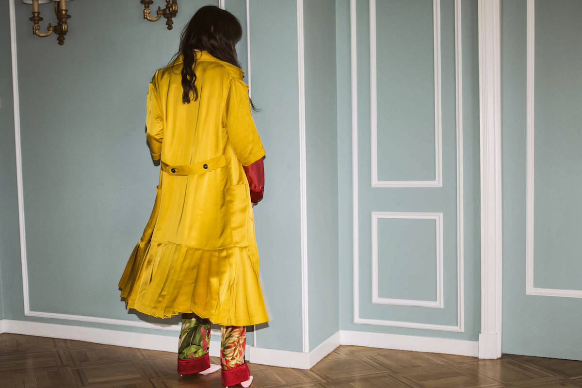 ysmf-victoria-beckham-yellow-satin-coat-2
