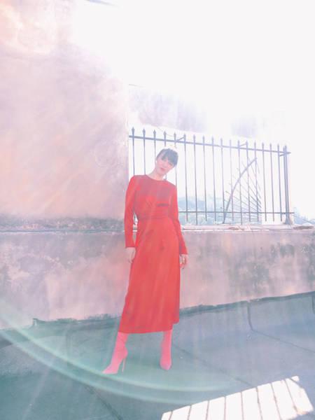 ysmf.milkwhite.red.satin.dress.3
