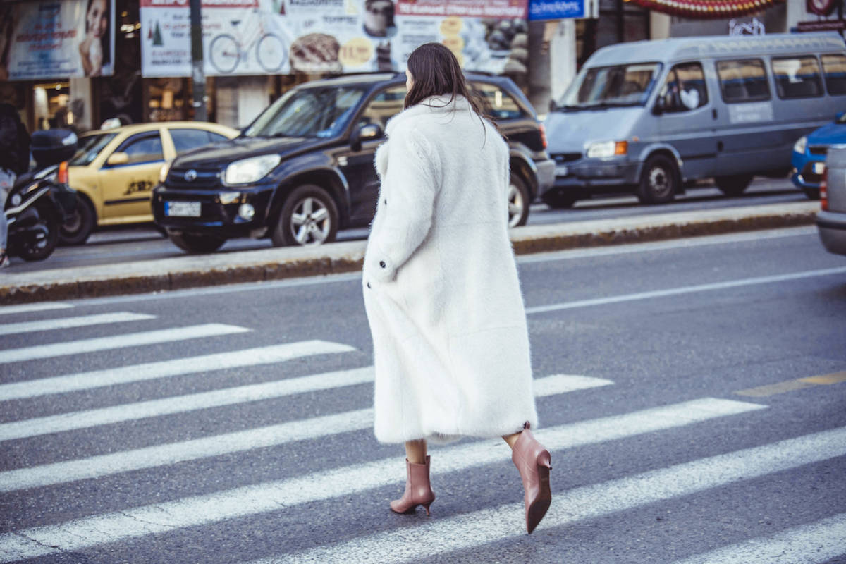 urban.code.faux.fur.white.coat