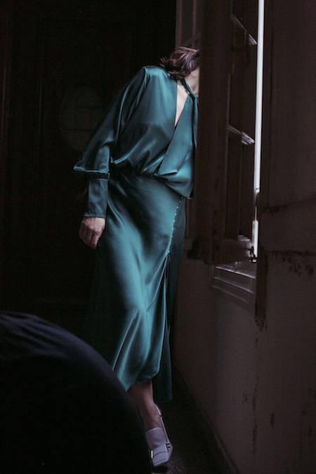 ysmf.victoria.beckham.green.silk.skirt